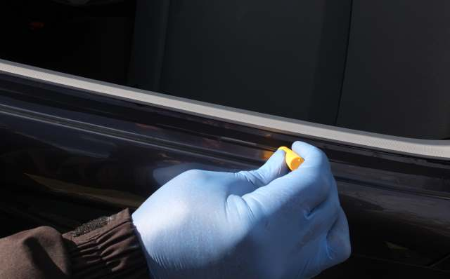 how to change windshield glass yourself