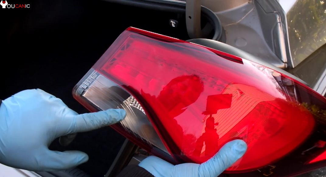 how to remove rear tail light assembley to replace left right turn signal hyundai elantra 2011-2016