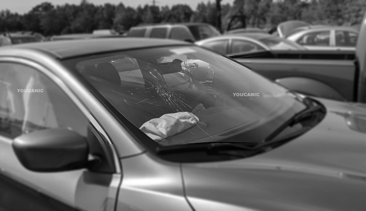DAMAGED WINDSHIELD AND WHAT TO DO TO AVOID MORE DAMAGE