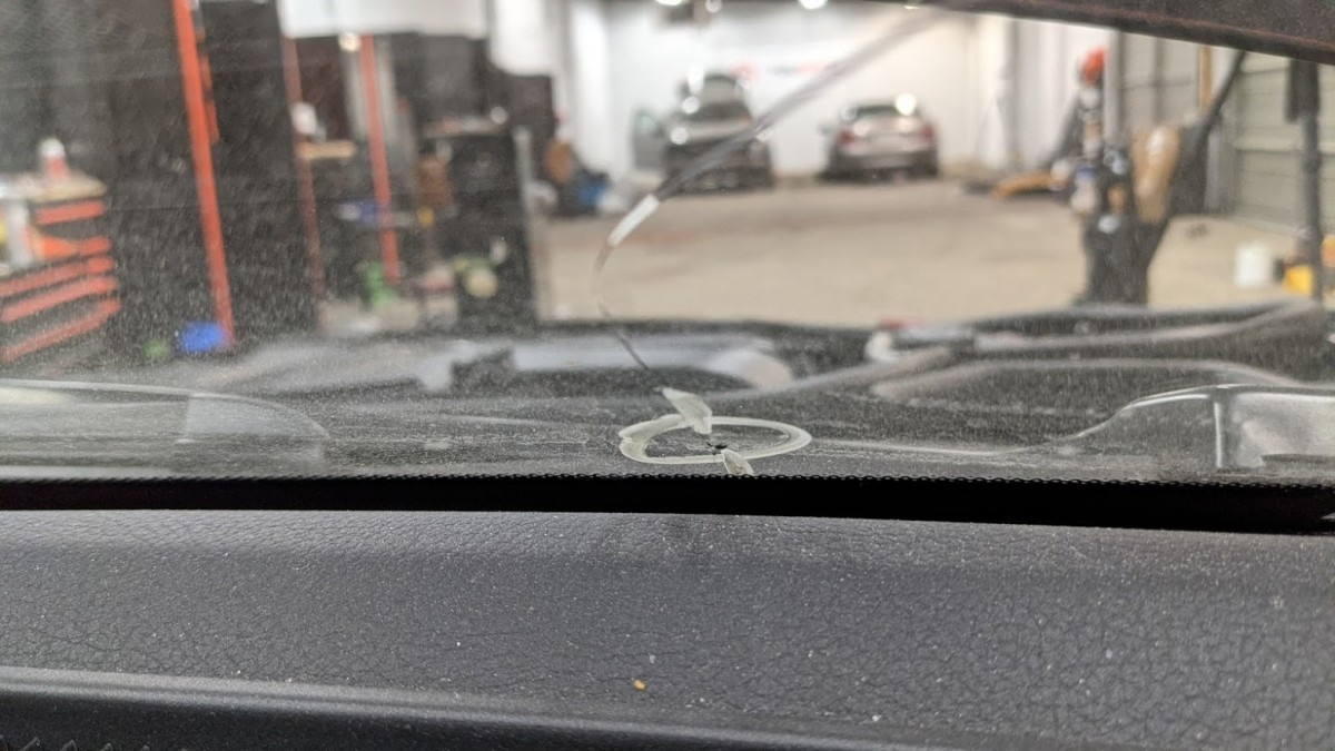 best auto glass repair near me cracked windshield YOUCANIC