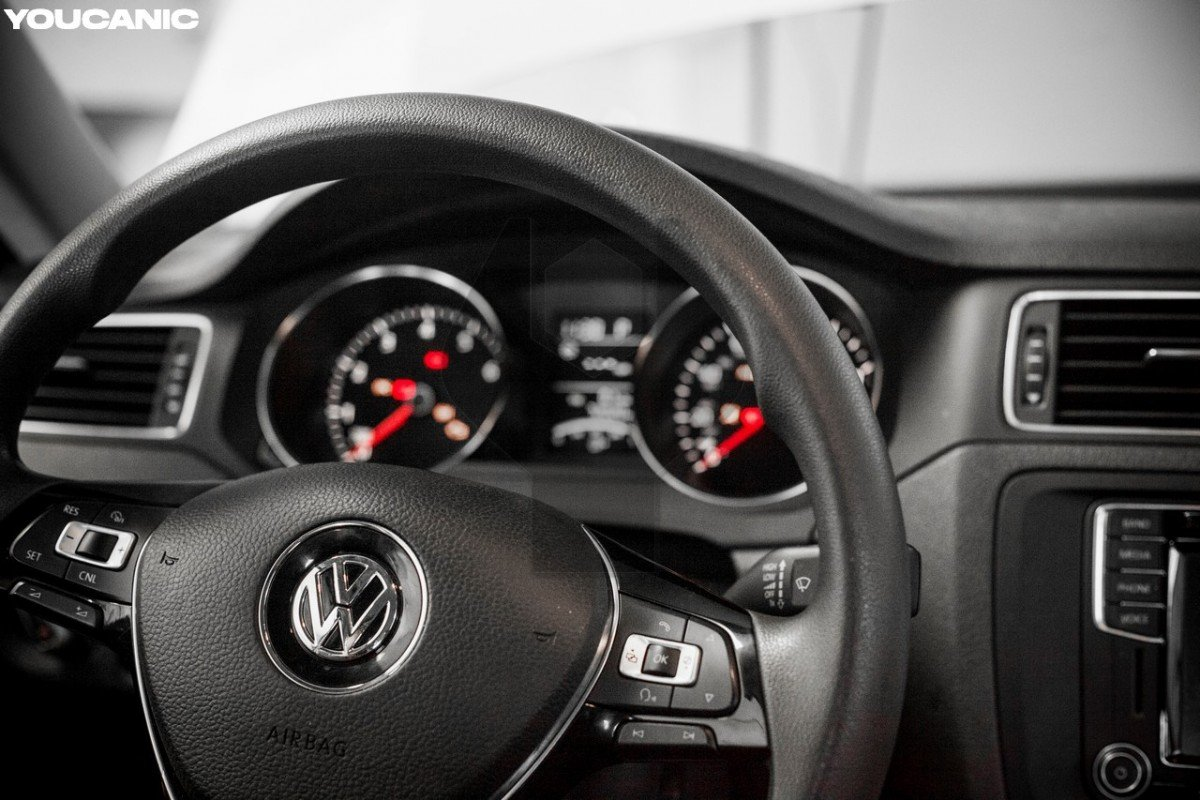 turn off ignition let engine cool down then change vw battery