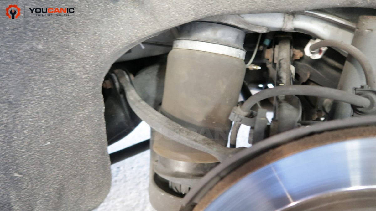 Faulty suspension airbag