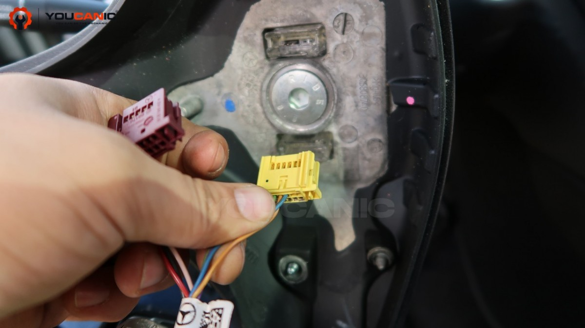 disconnect airbag