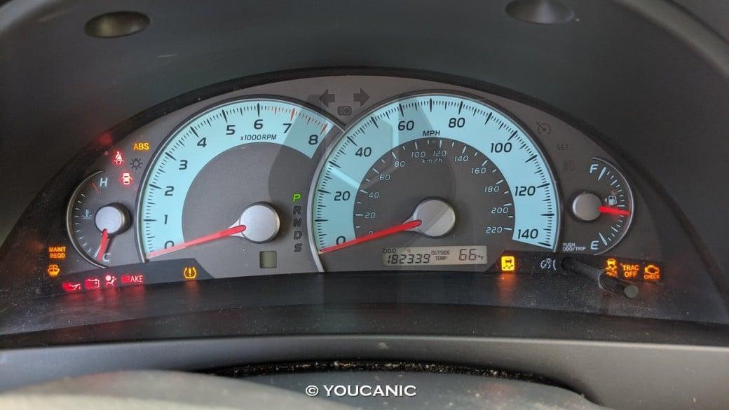 Toyota Camry 2011 diagnostic mode dashboard