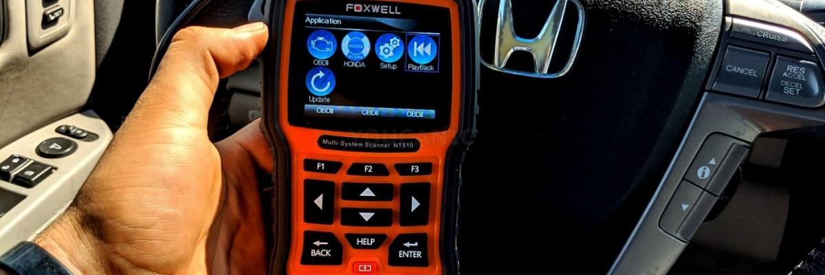 Choosing the Best Diagnostic Scanner for Honda and Acura