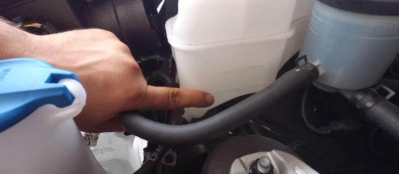 Check Coolant Level, Add Antifreeze Kia Sedona