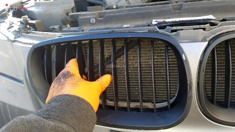 install new black kidney grill on bmw by pressing it in
