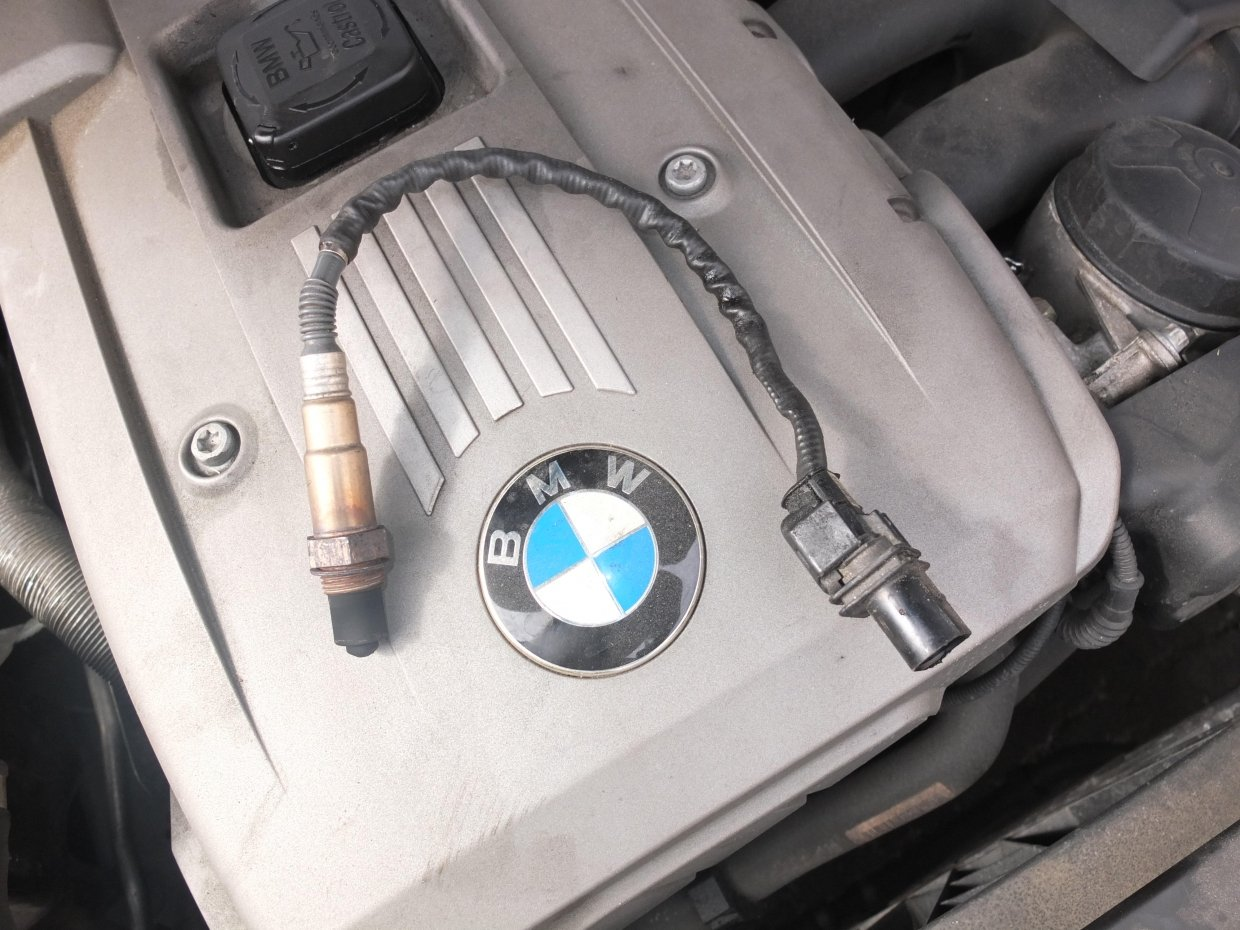 BMW oxygen sensor engine malfunction sign