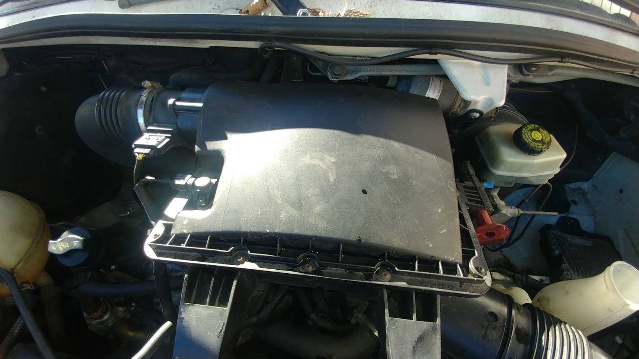 Sprinter engine air filter