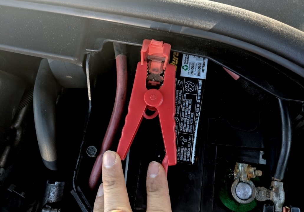 connect volvo battery charger