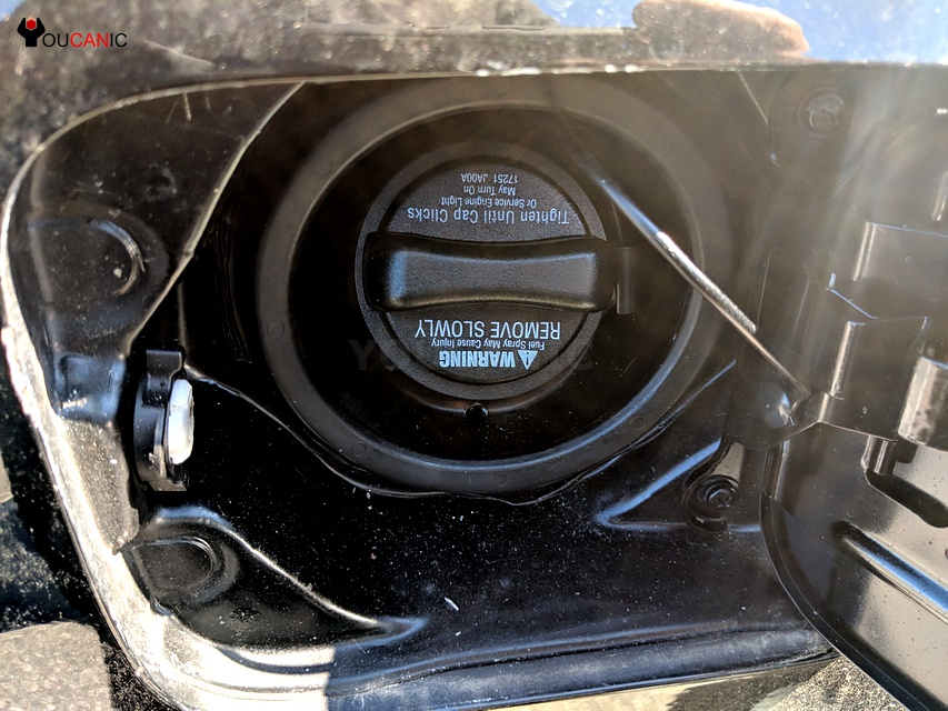 infinti check engine soon light on due to loose gas cap