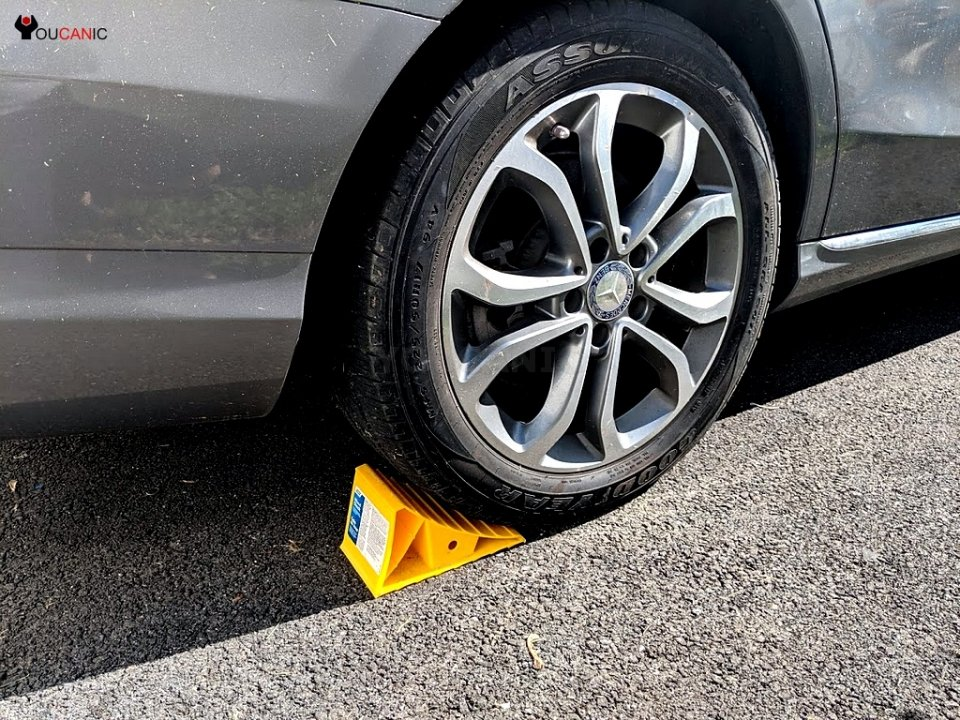 Mercedes secured with wheel chocks