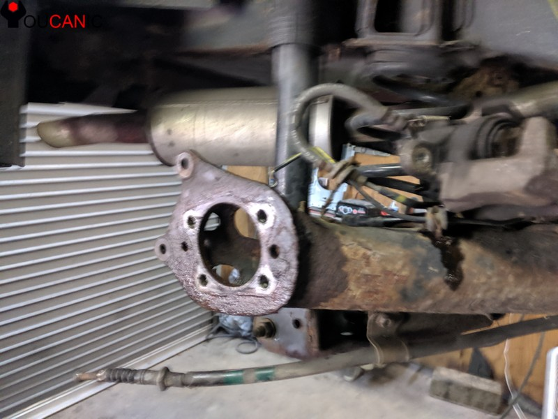 toyota rear wheel hub assembly removed