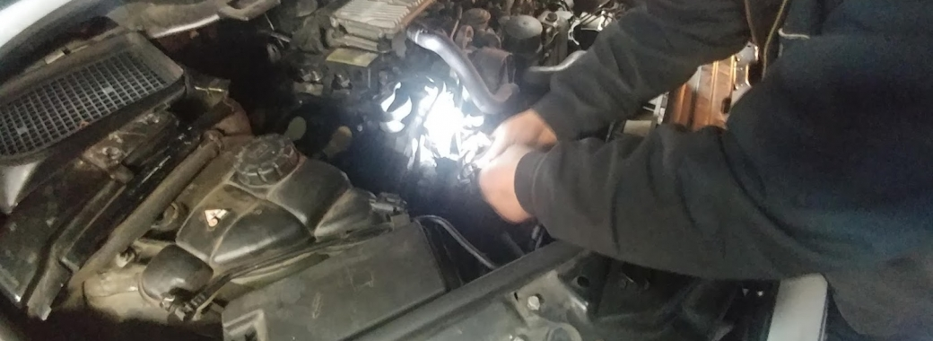 How to check Mercedes timing chain for excessive wear or stretch