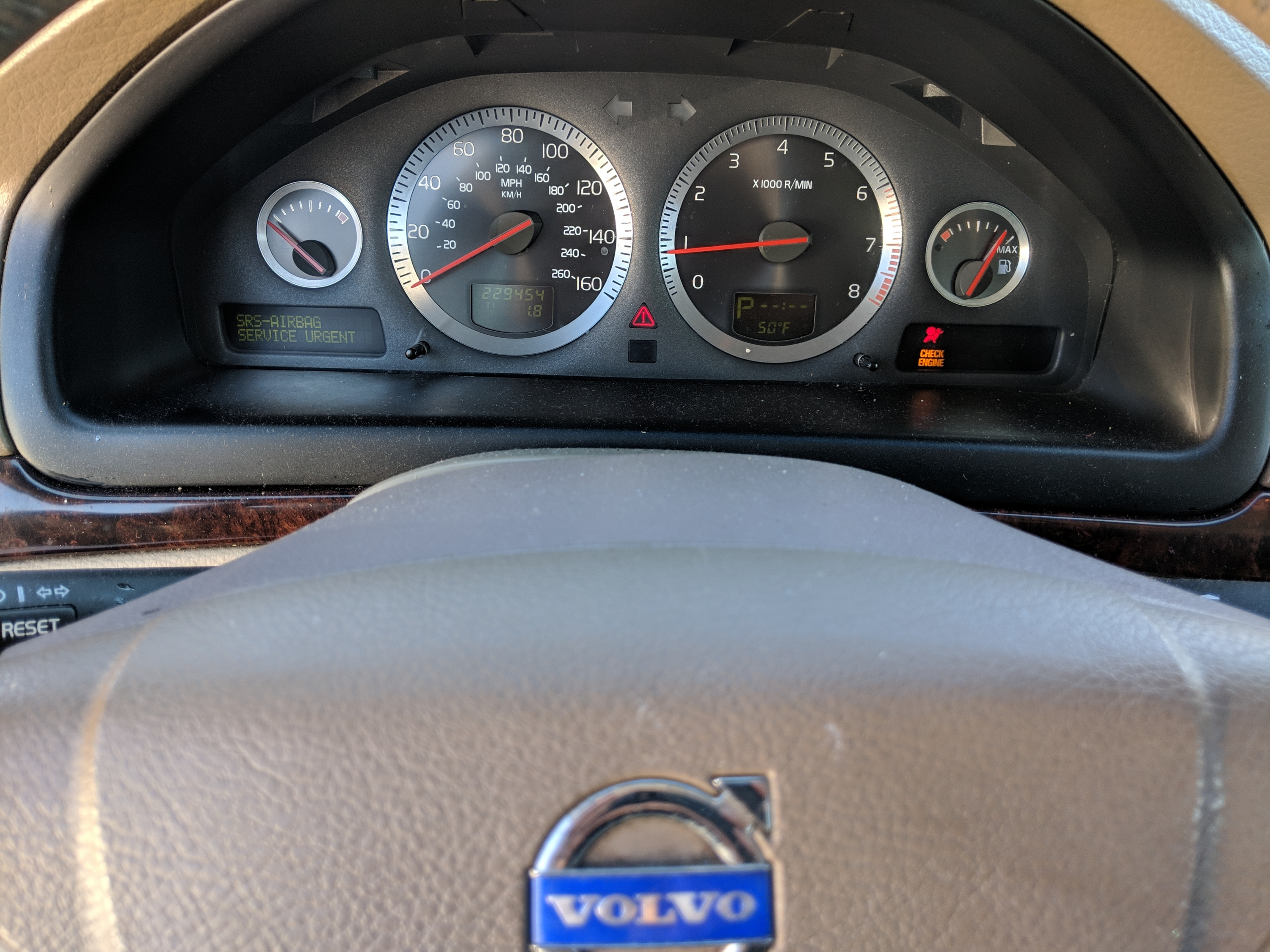 Common Volvo Instrument Cluster Problems & Solutions